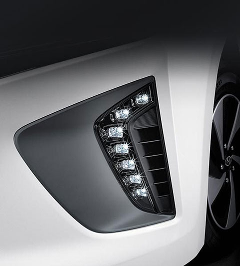 ioniq-ev_led_daytime-running-lights_480x533
